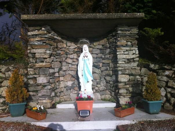 Cranny grotto 002